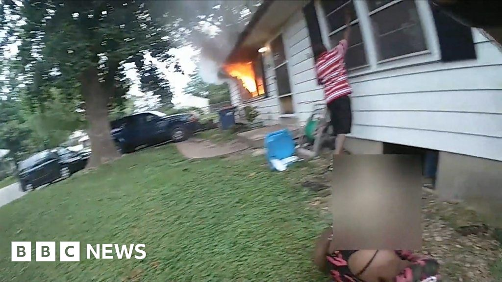 Child pulled from basement of burning building thumbnail