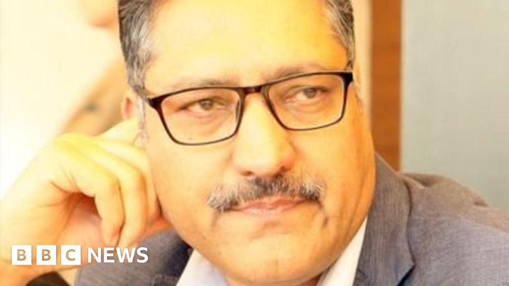 Kashmir journalist Shujaat Bukhari shot dead in Srinagar - BBC News