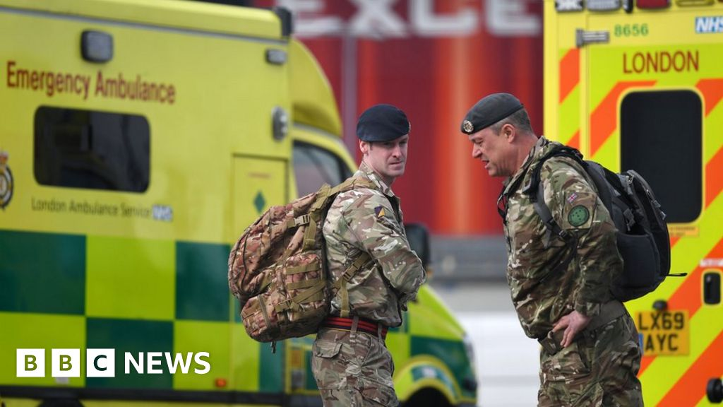 Coronavirus: Armed forces in support of a paramedic