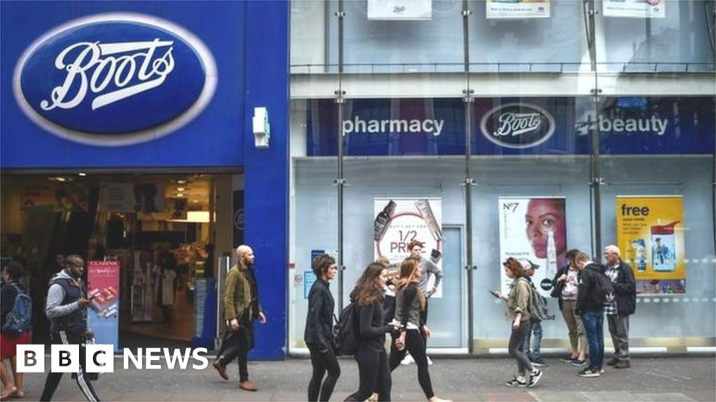 Boots owner Walgreens 'receives record buyout offer' thumbnail