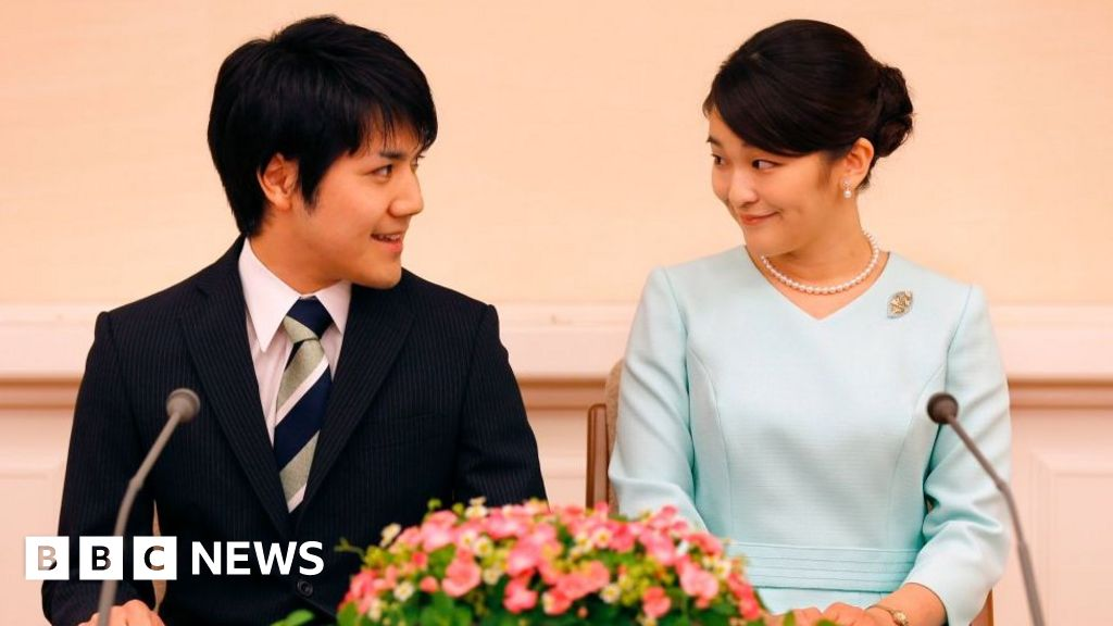 Japans Princess Mako finally marries commoner boyfriend Kei Komuro