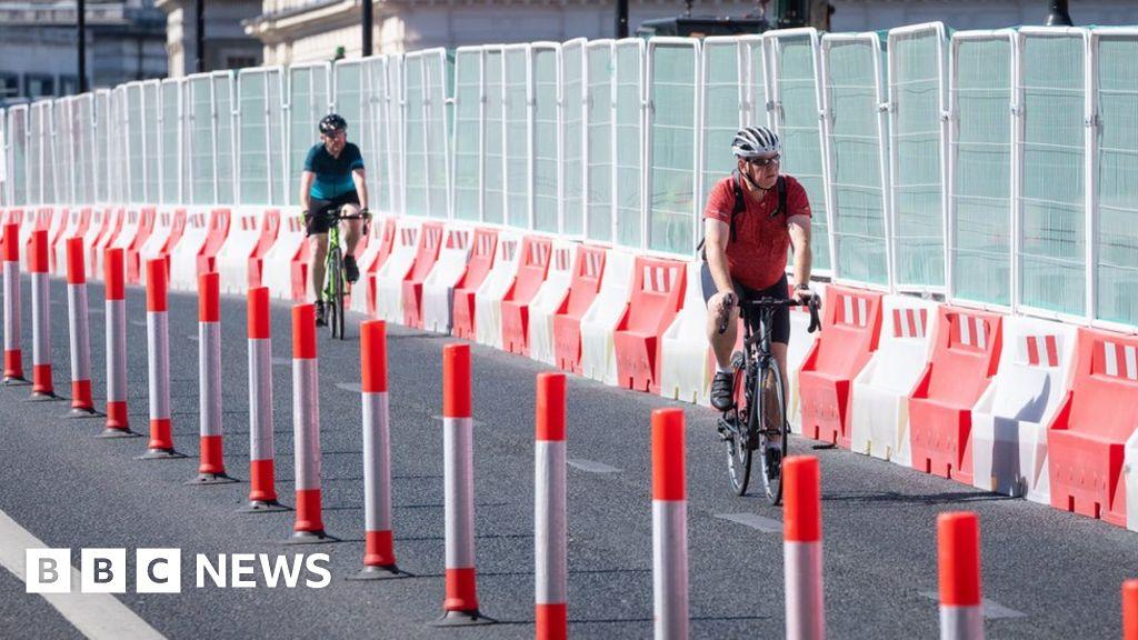 Drivers 'to walk more' to keep lockdown clean air