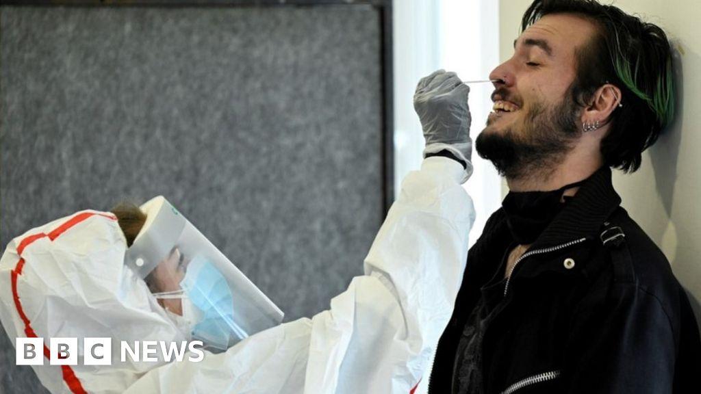 Coronavirus: Slovakia holds national test but president calls for delay