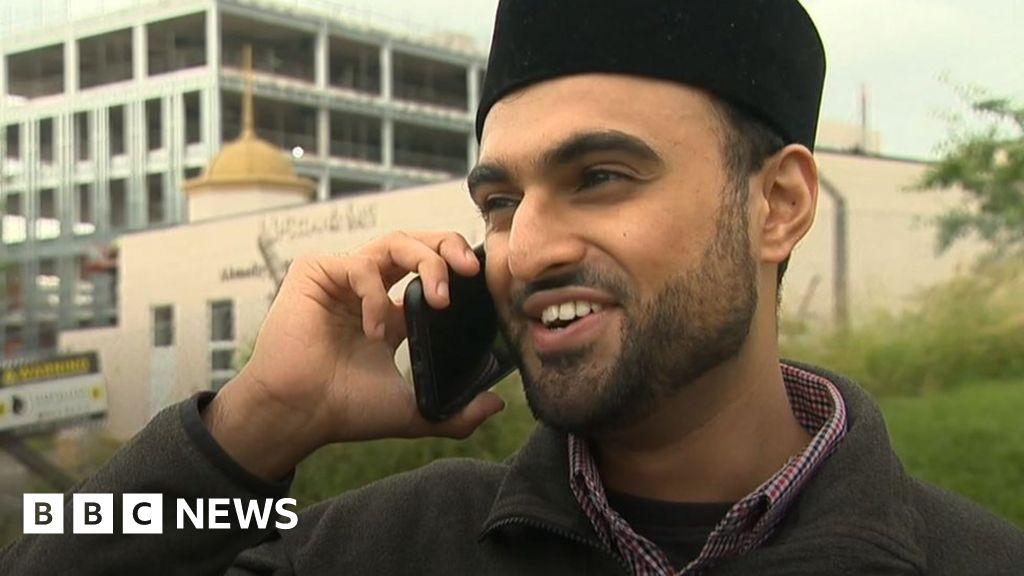 The young imam using Instagram to change opinions