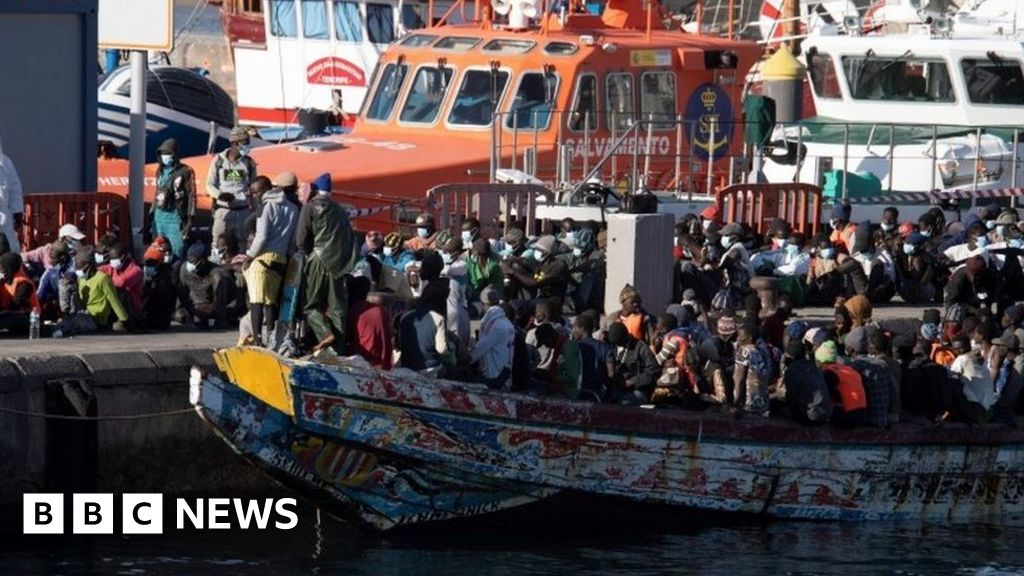 canary-islands-to-provide-emergency-shelter-for-7000-migrants