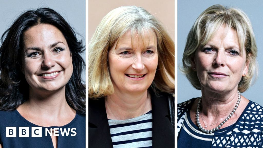 Three Tory MPs join breakaway group