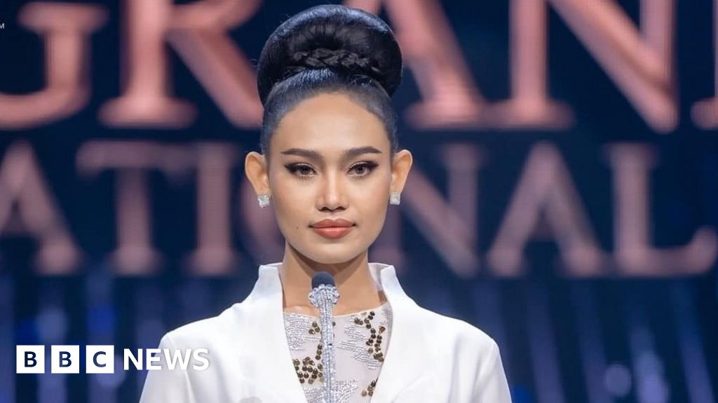 In front of the military beauty queen of Myanmar