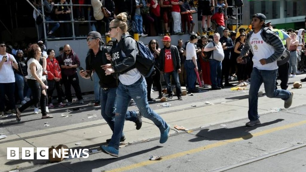 Four injured in Toronto Raptors parade shooting thumbnail