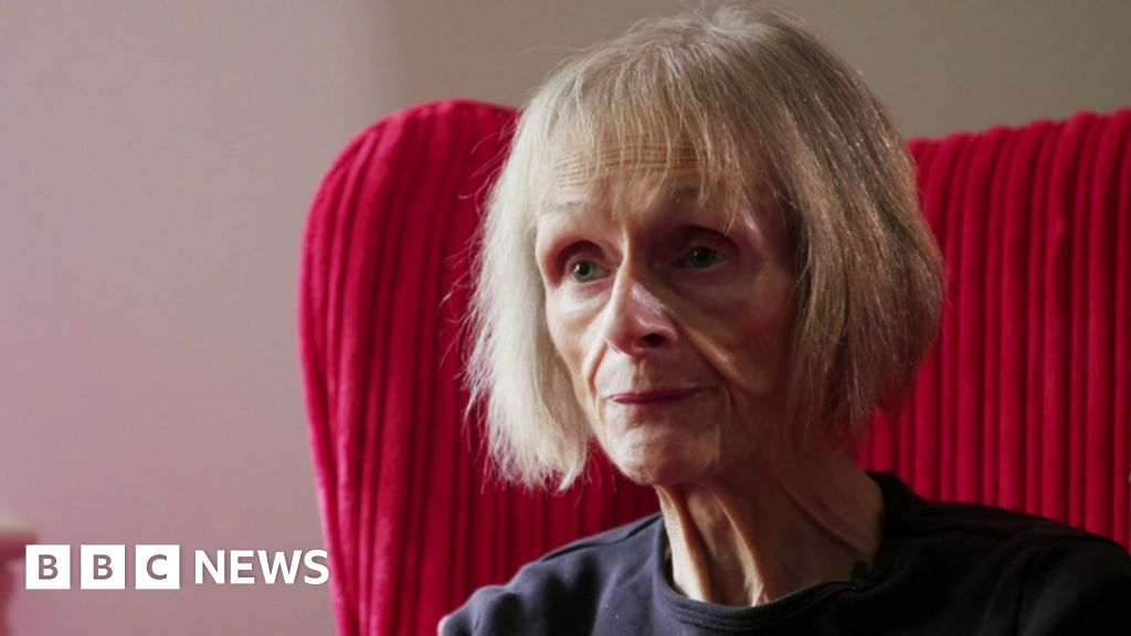 Eating disorders: Over-65s unable to access some clinics thumbnail