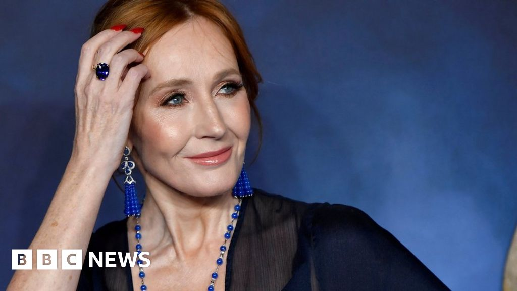 JK Rowling answered trans-tweets criticism