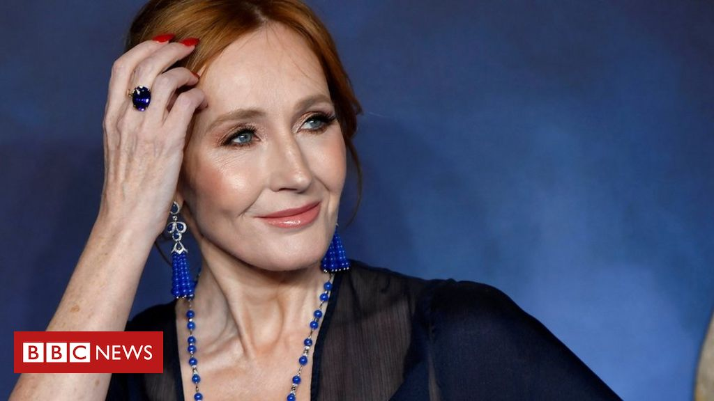 JK Rowling answered trans-tweets criticism