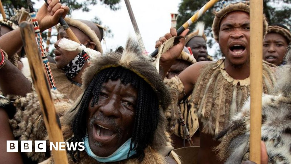 Zulu King Zwelithini's death: Royals and rebels fight for throne