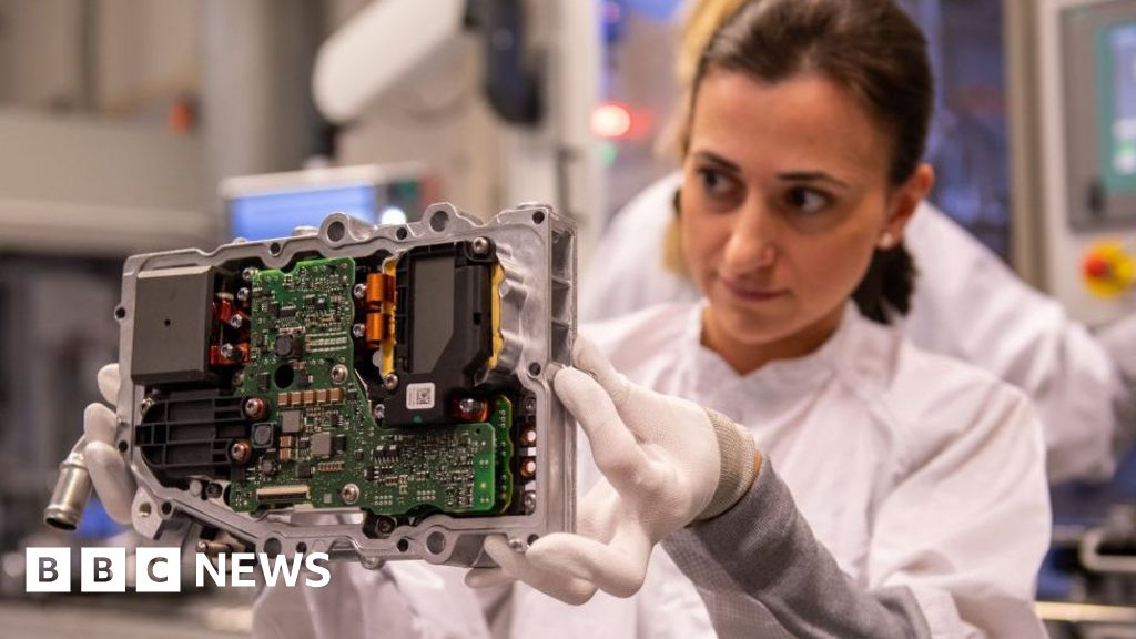 Tech giants challenge US foreign worker crackdown