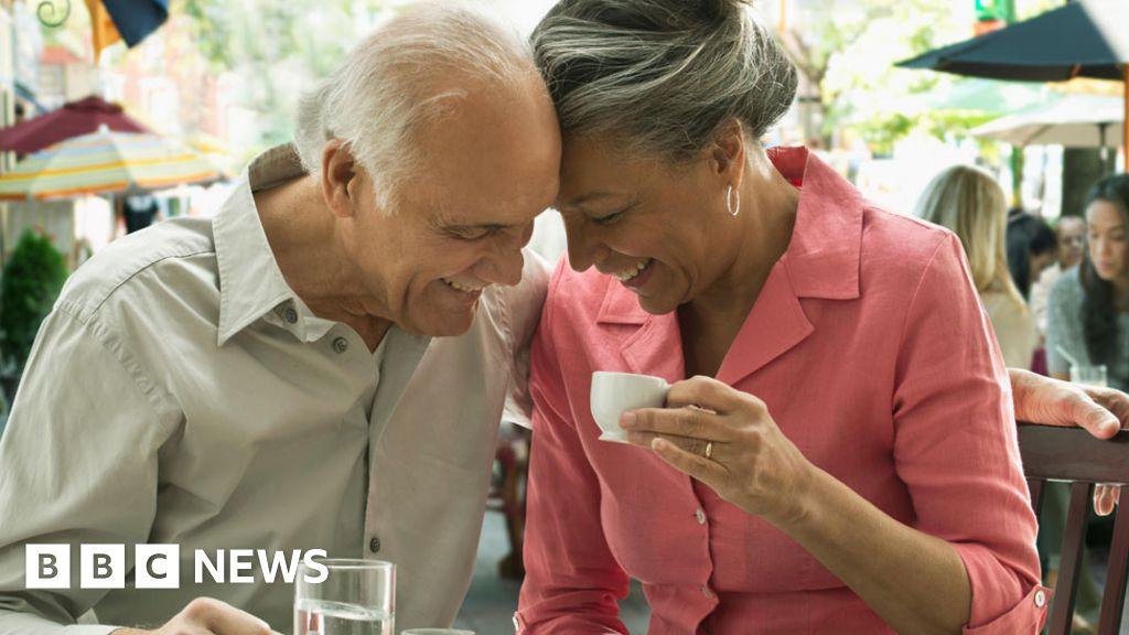 Coronavirus When Elderly Parents Want To Carry On Socialising