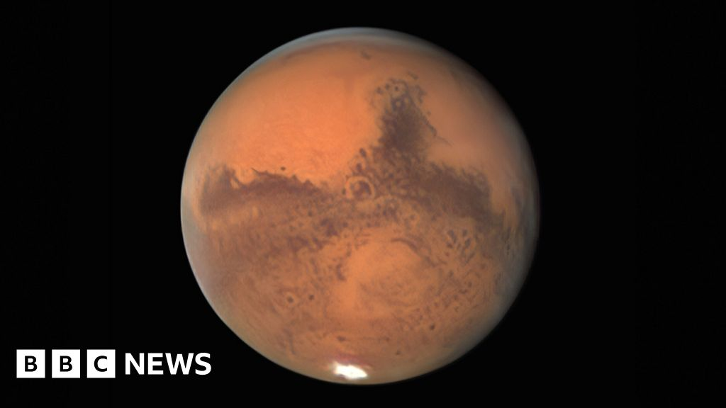 Planet Mars is at its 'biggest and brightest' - BBC News