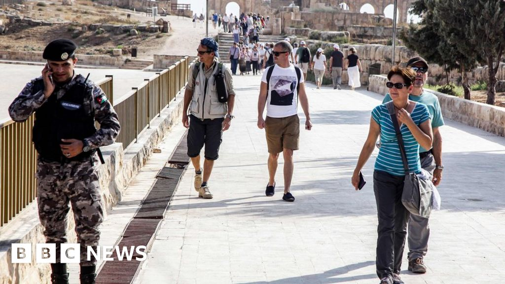 Knifeman stabs tourists in Jordanian city