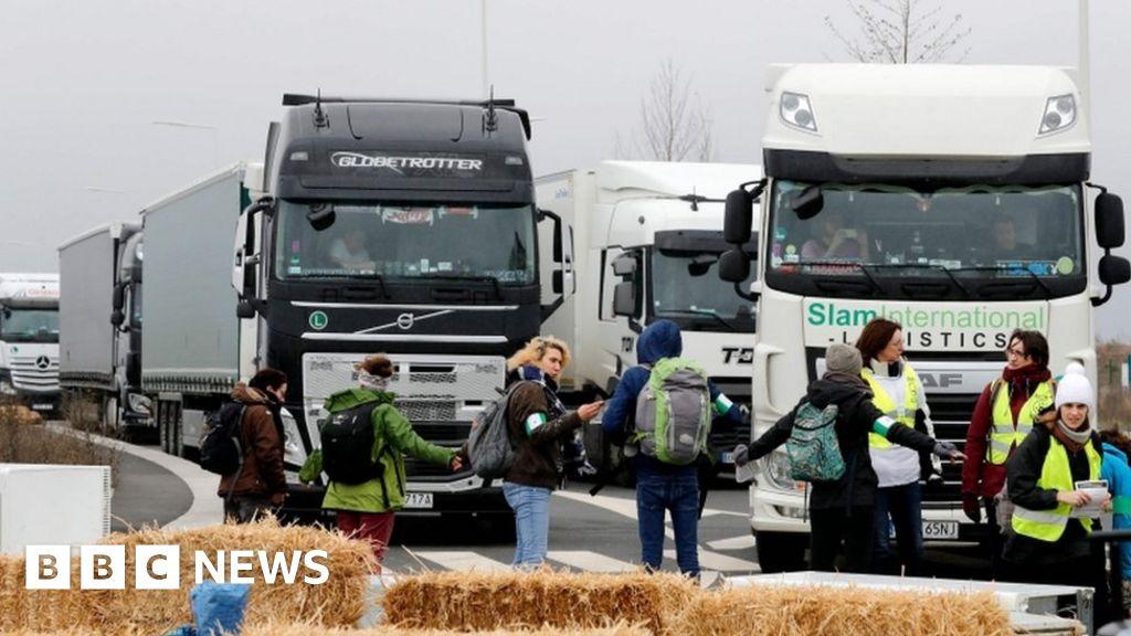 Black Friday protest: French activists block Amazon warehouse