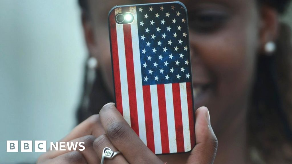 Phone and laptop searches at US border 'quadruple'