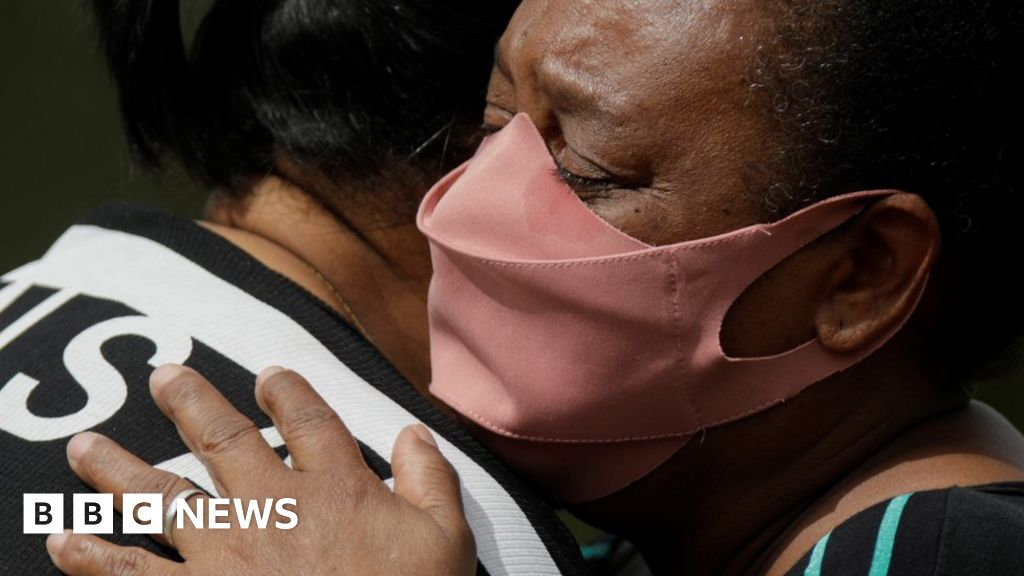 Covid: Brazil passes 400000 deaths amid slow vaccination – BBC News