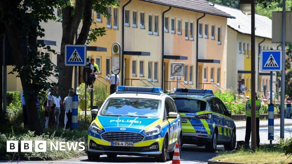 German hunt for two dead gunmen in Espelkamp