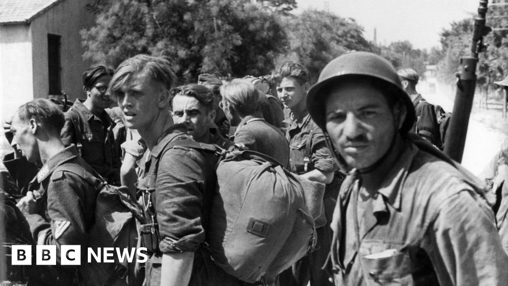 France to rename streets after African WW2 heroes thumbnail