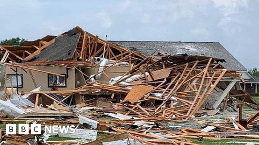 Deadly tornadoes batter southern US States