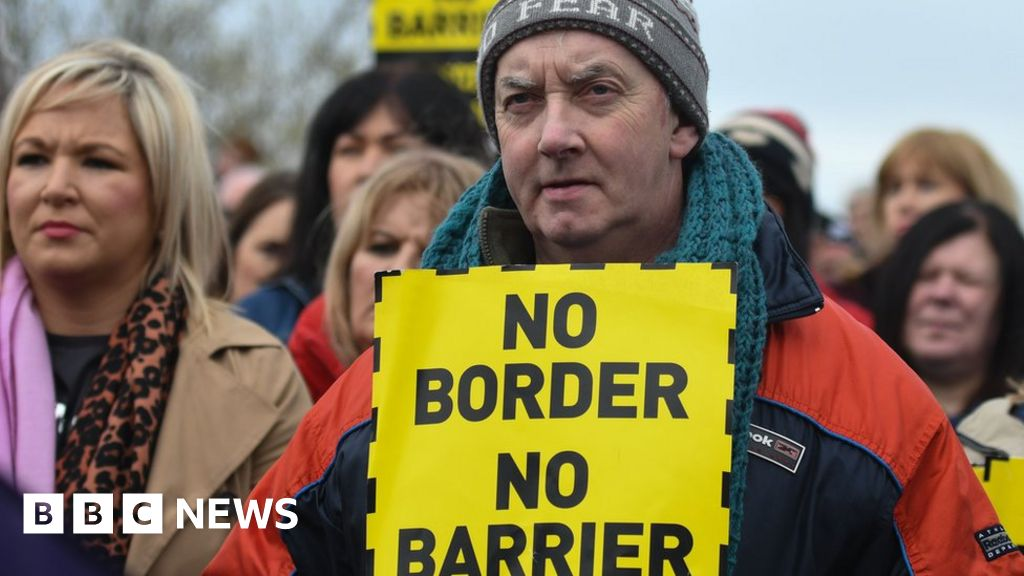 Brexit: What could no deal mean for the Irish border?