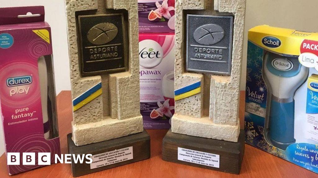 Vibrator is top prize in Spanish squash tournament thumbnail