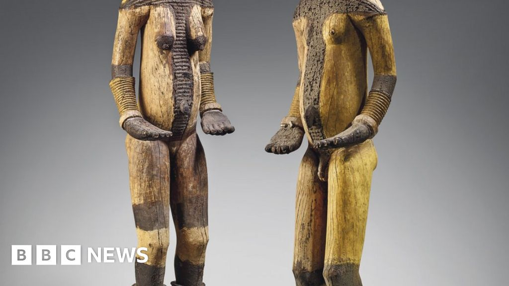 Christie`s urged to cancel auction of `looted` Nigerian artefacts