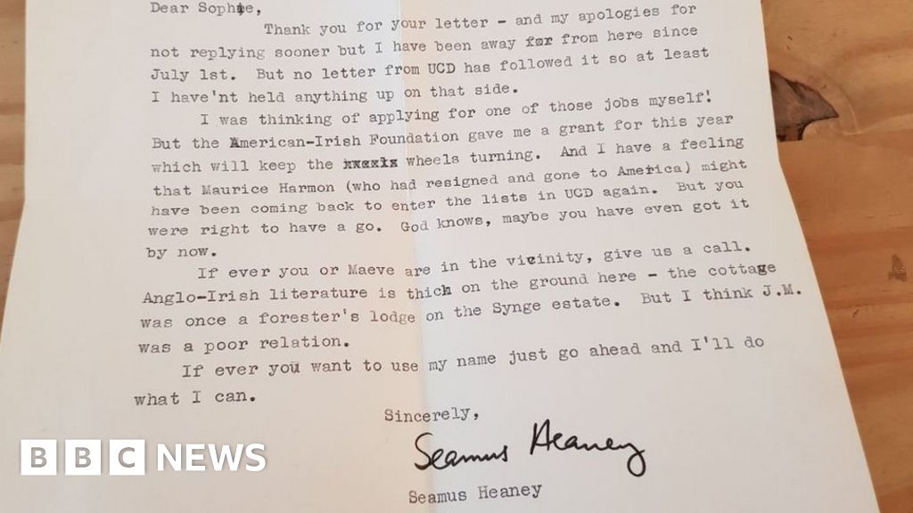 letter to seamus heaney A letter penned by nobel laureate poet seamus heaney has finally found its way back to its original recipient over 40 years after it was lost - thanks to the power of social media.