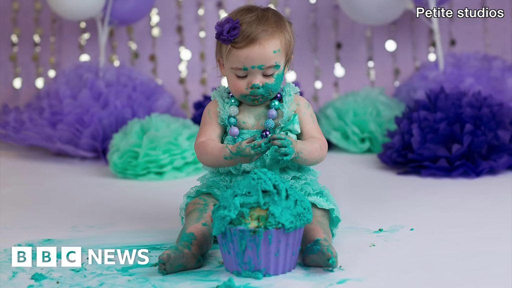 Cake Smash The New Way To Celebrate Your Babys First Birthday