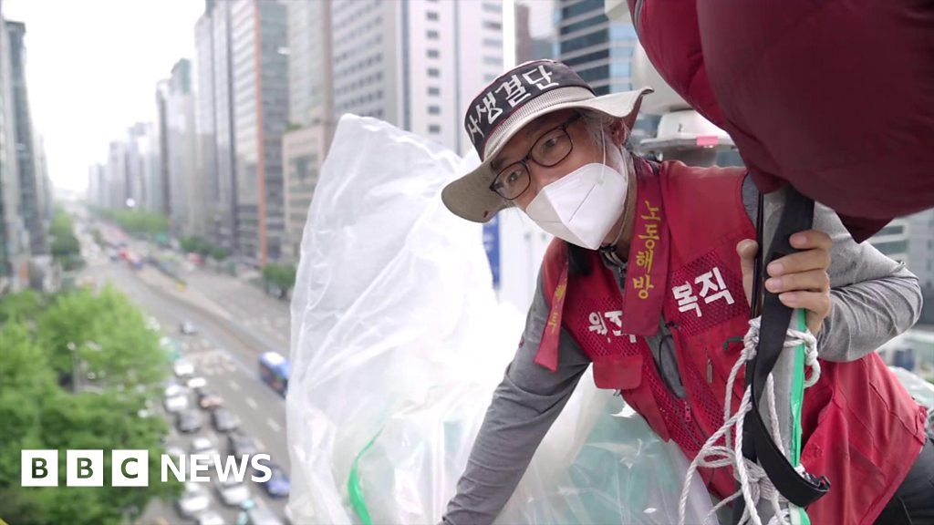 The South Korean protester living in the sky