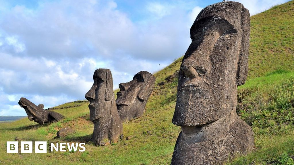 Easter Island: Anger after truck crashes into sacred statue