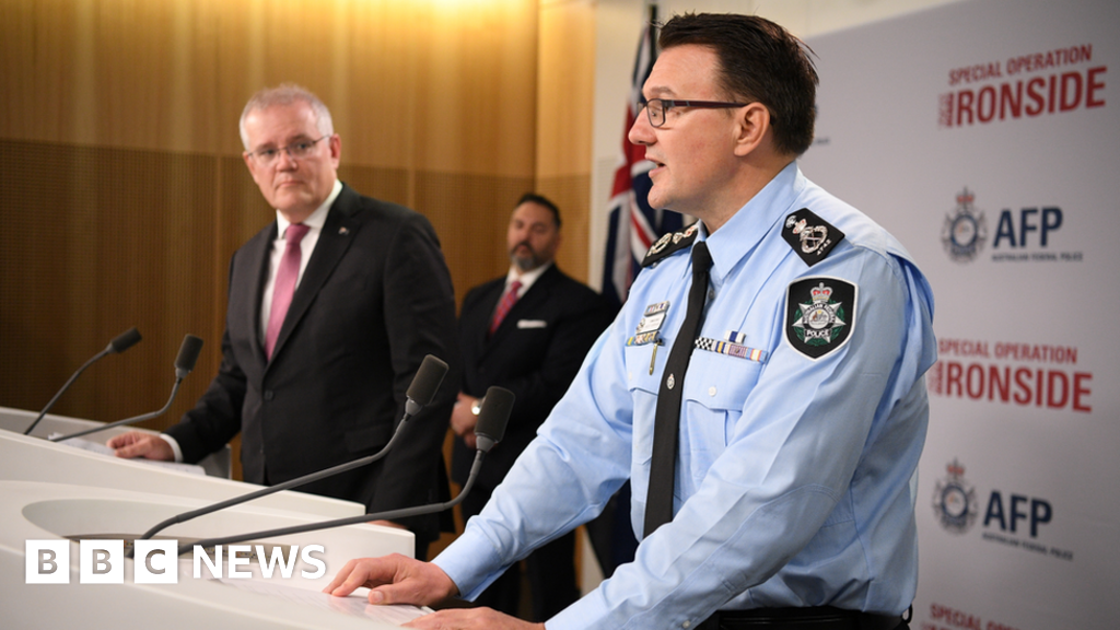 ANOM: Hundreds arrested in massive global crime sting - BBC News thumbnail