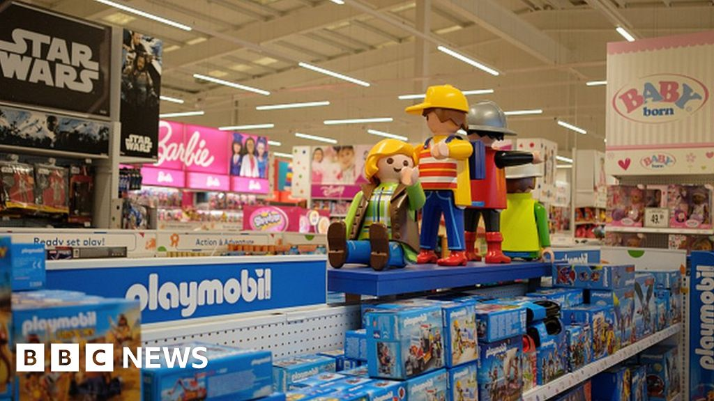 Toyr R Us : Five reasons toys r us failed bbc news