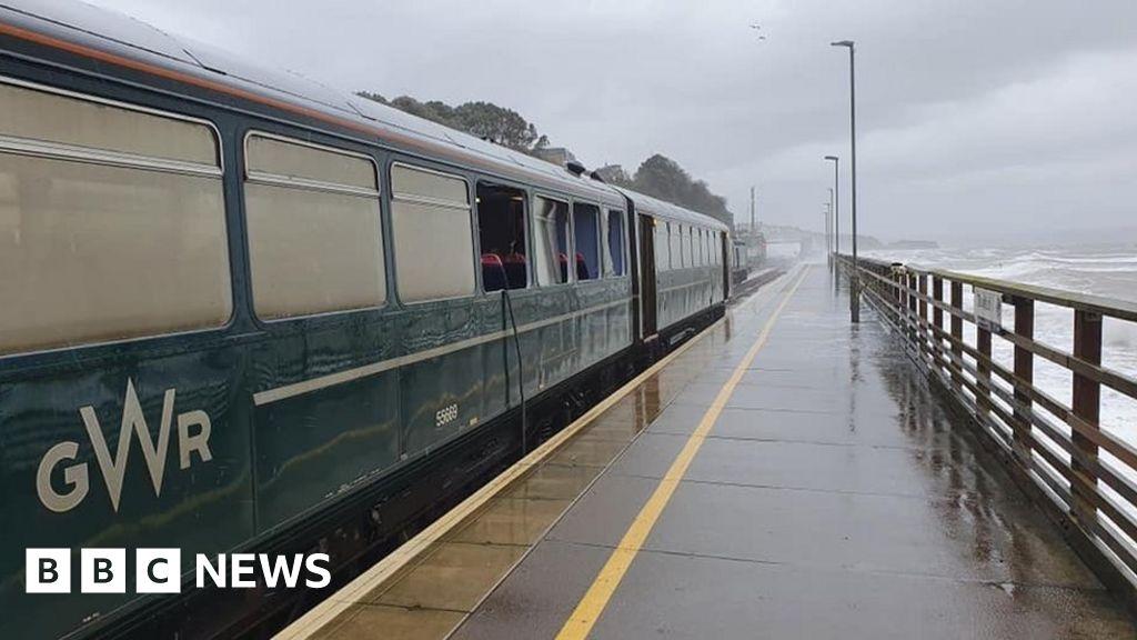 Passenger hurt when wave smashes train windows