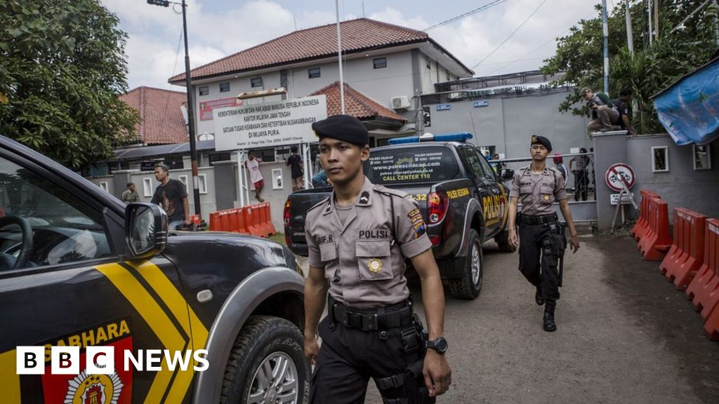 Indonesia to execute 14 drug convicts despite protests  BBC News