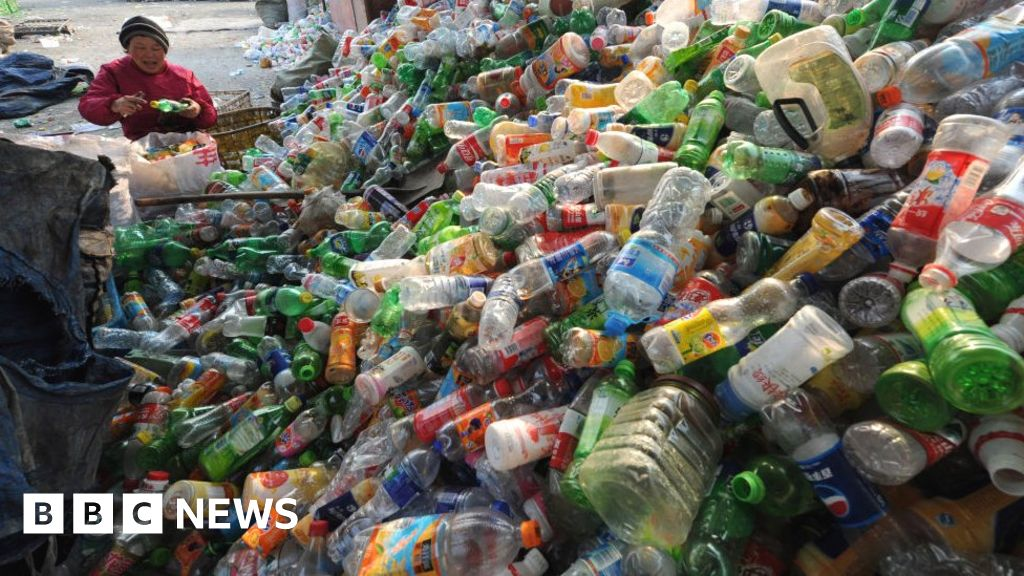 China to ban bags and other single-use plastic