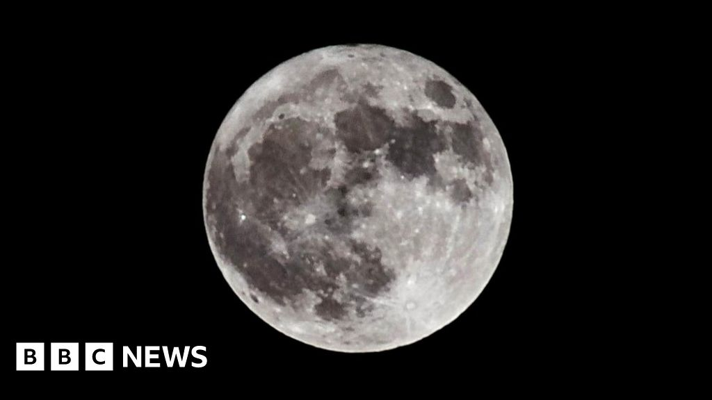 Water found on the Moon boosts Nasa's hopes of establishing a lunar base