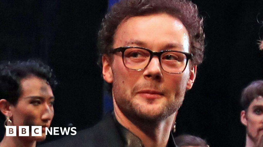 Liam Scarlett: Former Royal Ballet choreographer dies at 35