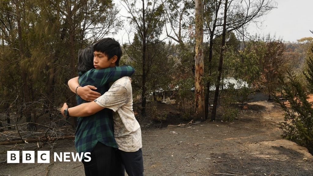 """Australia fires: """"I have lost my home. The shock is never fully set-up"""""""
