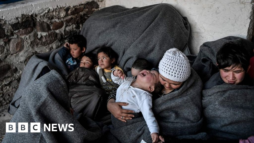 EU to take in some child migrants stuck in Greece thumbnail