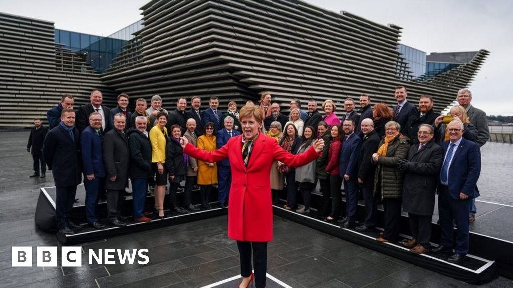 Election 2019: Sturgeon gathers SNP MPs after victory
