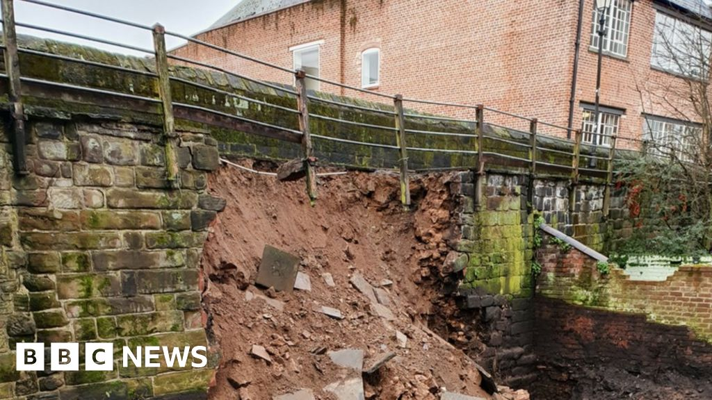 Chester's Roman wall collapses after digging work