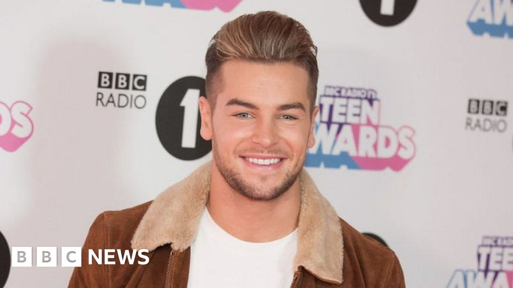 Love Island star's testicular cancer warning