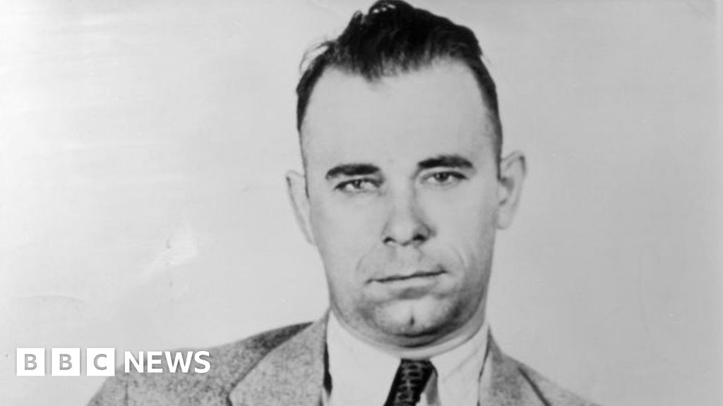 To be John Dillinger: American gangster s body exhumed