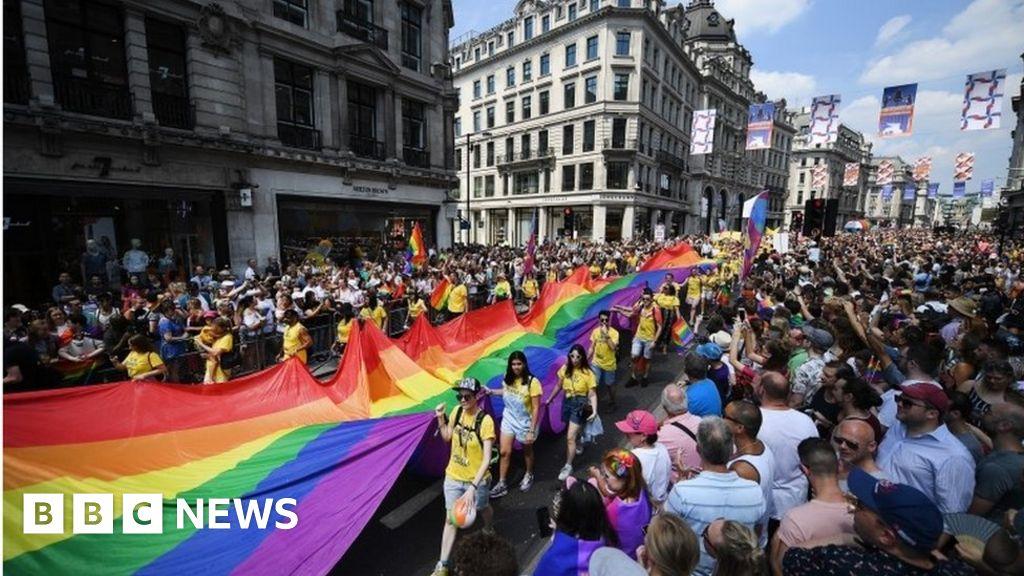 Man planned terror attacks on London s tourist hot spots , court hears