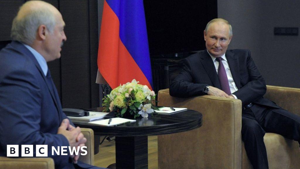 Belarus plane diversion: Putin plays down crisis at talks with Lukashenko -  BBC News