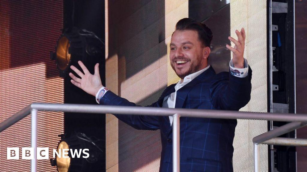 Celebrity Big Brother star Dapper Laughs proposes on live TV