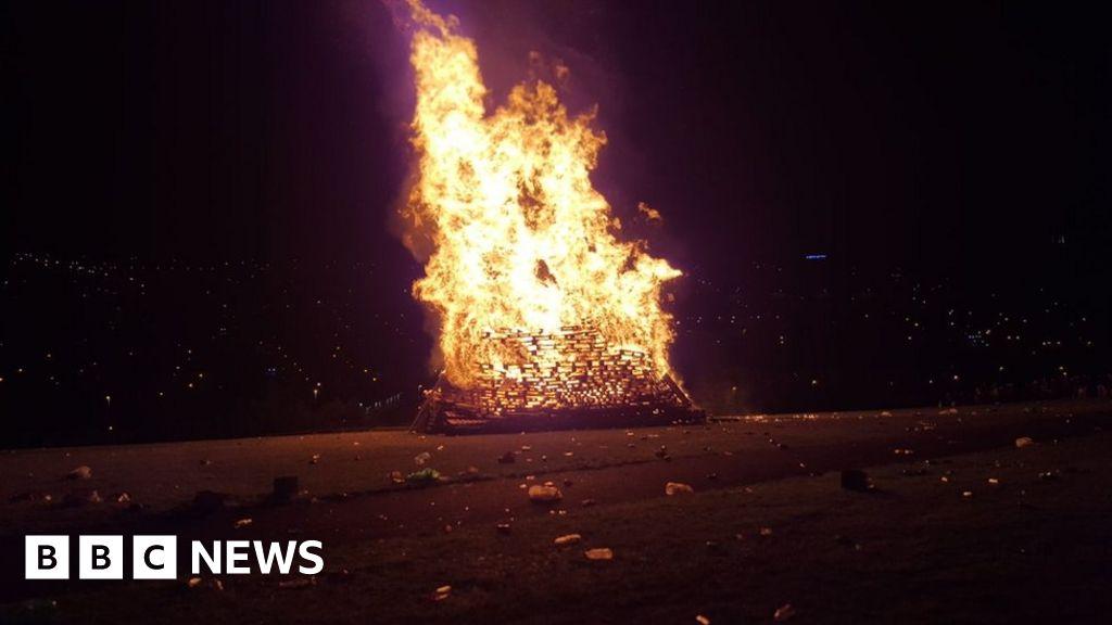 97400037 fireburning